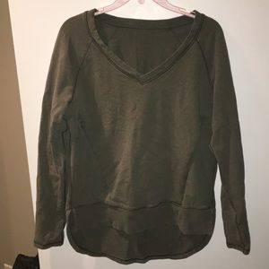 Lululemon size 8 green vneck sweatshirt